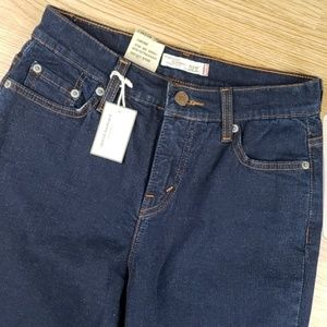 NWT Levi's 512 Perfectly Slimming Jean Sz 4 M